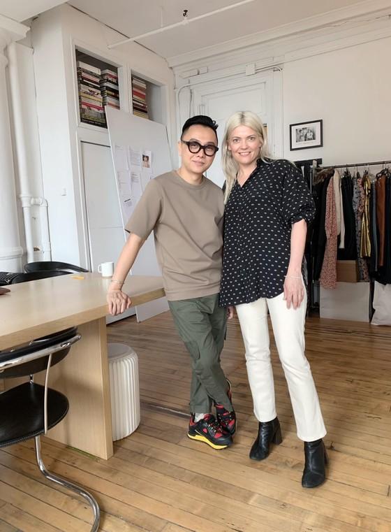 Thanh Hằng khoe trọn đôi chân 1m2 trong BST sẽ trình diễn tại New York Fashion Week của Công Trí ảnh 6