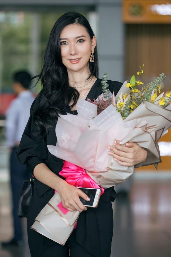 Tân Hoa hậu Hoàn vũ Hàn Quốc đến Việt Nam ảnh 1