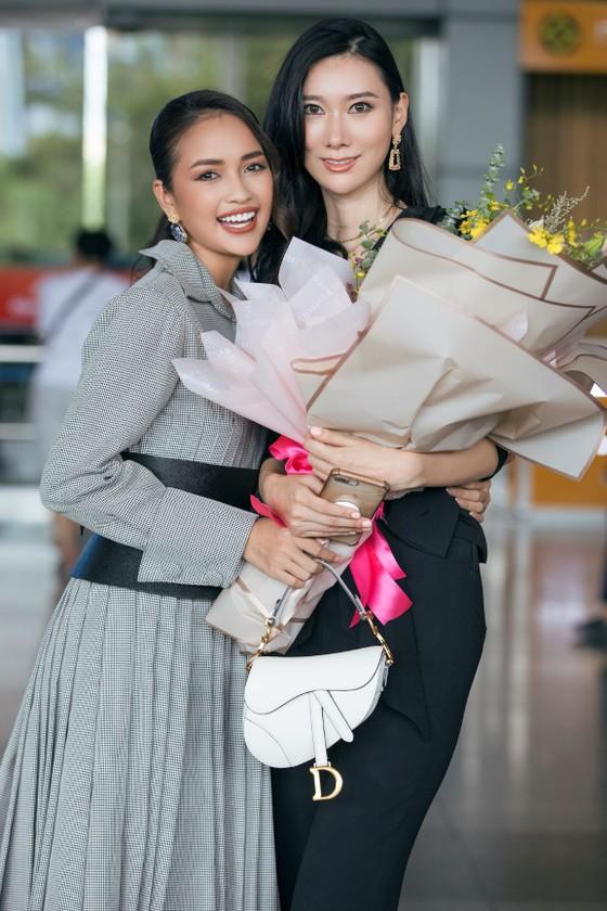 Tân Hoa hậu Hoàn vũ Hàn Quốc đến Việt Nam ảnh 3