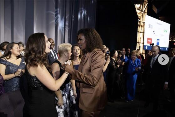 Cựu đệ nhất Phu nhân Mỹ Michelle Obama mặc trang phục thiết kế của Công Trí ảnh 2