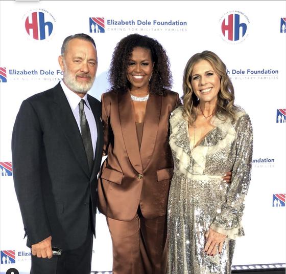 Cựu đệ nhất Phu nhân Mỹ Michelle Obama mặc trang phục thiết kế của Công Trí ảnh 4