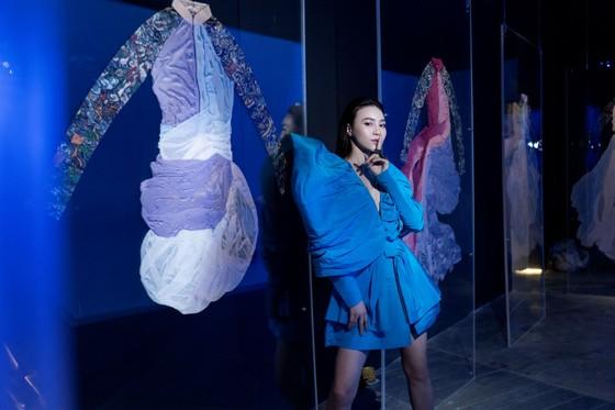 Ám ảnh với 10 không gian đương đại trong hành trình thời trang của NTK Công Trí ảnh 4