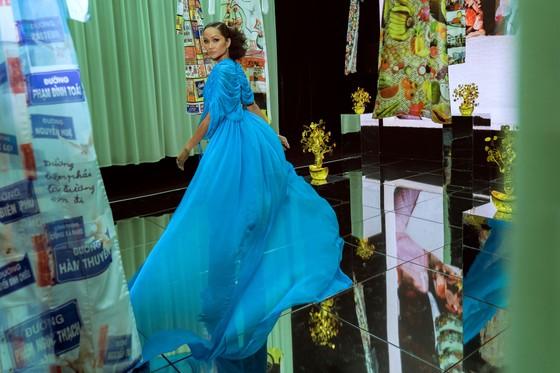 Ám ảnh với 10 không gian đương đại trong hành trình thời trang của NTK Công Trí ảnh 9