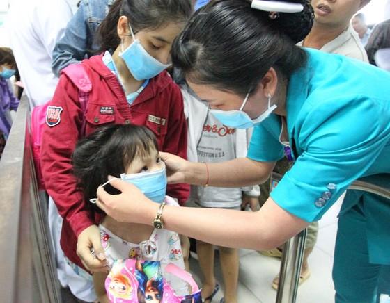 Giao lưu trực tuyến về phòng chống bệnh truyền nhiễm ảnh 2