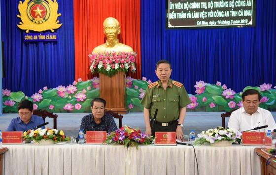Bộ trưởng Bộ Công an làm việc với Công an tỉnh Cà Mau ảnh 1