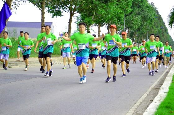 """Sôi nổi và nhiều ý nghĩa tại giải """"Mekong delta marathon"""" Hậu Giang 2020 ảnh 3"""
