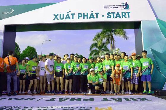 """Sôi nổi và nhiều ý nghĩa tại giải """"Mekong delta marathon"""" Hậu Giang 2020 ảnh 1"""