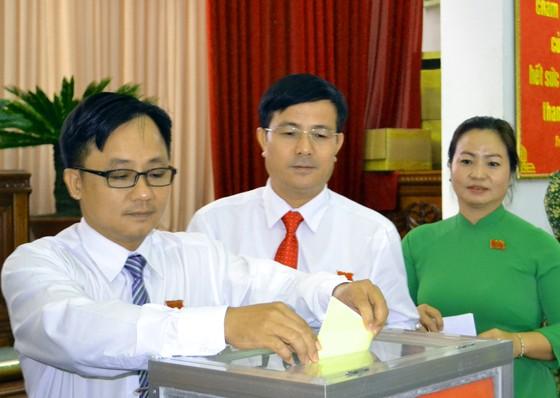 Bầu ông Đồng Văn Thanh giữ chức Chủ tịch UBND tỉnh Hậu Giang ảnh 1