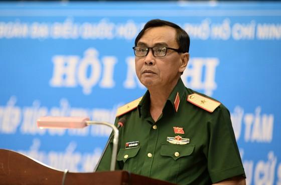 Phó Chính ủy Quân khu 7 nói về tình hình bãi Tư Chính ảnh 2