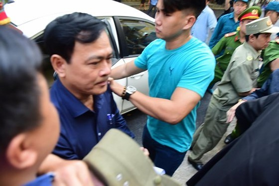 Xử phúc thẩm vụ ông Nguyễn Hữu Linh dâm ô bé gái ảnh 1
