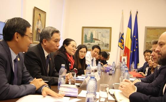 Đoàn đại biểu cấp cao HĐND TPHCM thăm và làm việc tại Romania ảnh 1