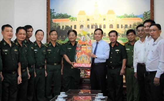 Lãnh đạo TPHCM thăm, chúc Tết các đơn vị, cá nhân ảnh 1