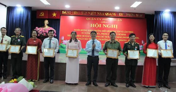 Quận Phú Nhuận báo công dâng Bác và tuyên dương điển hình học Bác ảnh 1