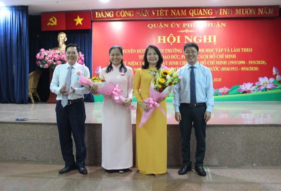 Quận Phú Nhuận báo công dâng Bác và tuyên dương điển hình học Bác ảnh 3
