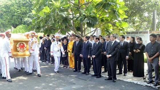 Tiễn đưa huyền thoại tình báo Trần Quốc Hương về nơi an nghỉ cuối cùng ảnh 12