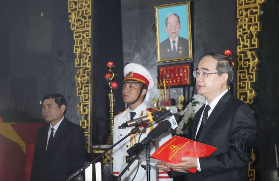 Tiễn đưa huyền thoại tình báo Trần Quốc Hương về nơi an nghỉ cuối cùng ảnh 1