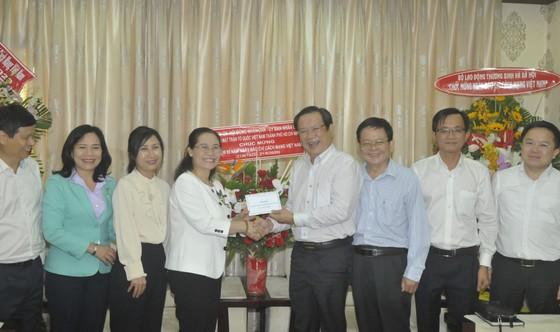 Lãnh đạo TPHCM thăm Báo SGGP và các cơ quan báo chí ảnh 5