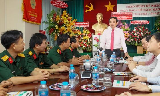 Đồng chí Trần Lưu Quang thăm, chúc mừng các cơ quan báo chí ảnh 3