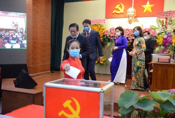 Đồng chí Lê Thị Hờ Rin được bầu làm Bí thư Quận ủy quận 6 ảnh 1