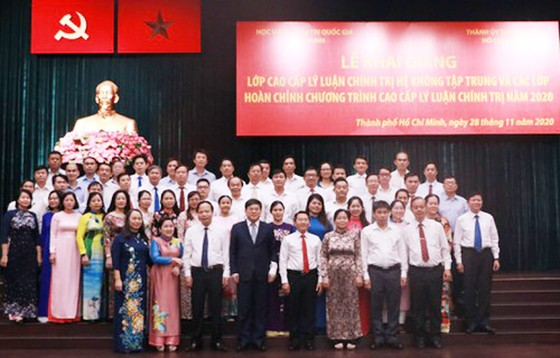 Khai giảng 5 lớp cao cấp lý luận chính trị tại TPHCM ảnh 3