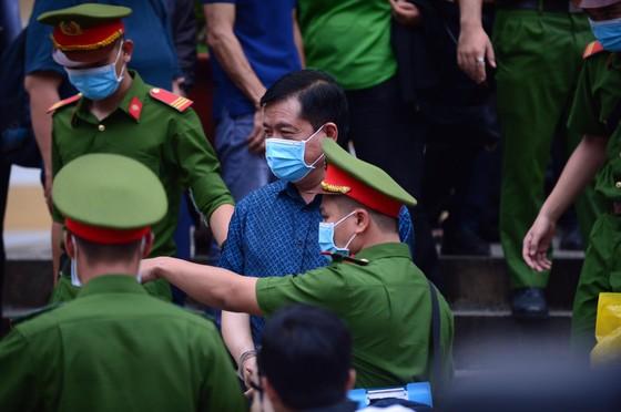 """Bị cáo Đinh La Thăng:  """"Tôi thấy có lỗi với ĐBSCL, muốn hoàn thành cao tốc TPHCM-Trung Lương-Mỹ Thuận-Cần Thơ"""" ảnh 1"""