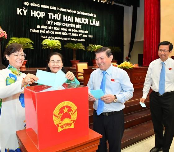 Chủ tịch UBND quận 1 được bầu làm Phó Chủ tịch HĐND TPHCM khóa IX ảnh 2