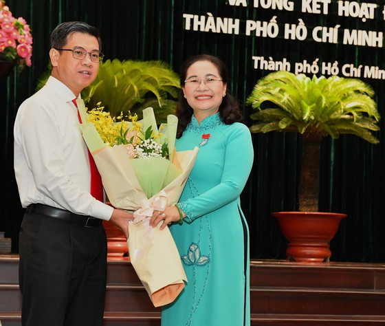 Chủ tịch UBND quận 1 được bầu làm Phó Chủ tịch HĐND TPHCM khóa IX ảnh 1