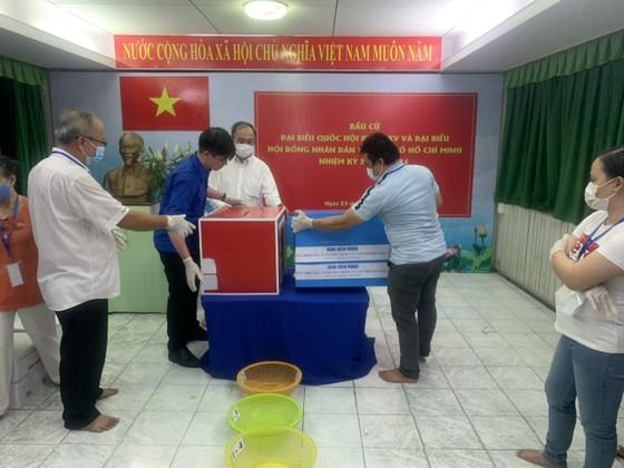 TPHCM kiểm phiếu bầu cử đại biểu Quốc hội, đại biểu HĐND   ảnh 4