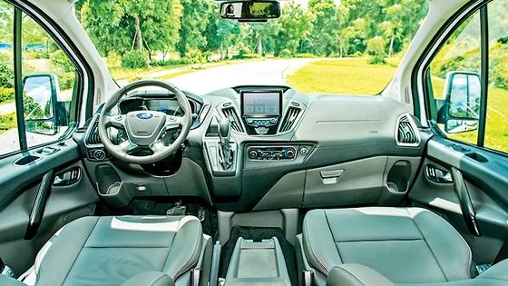 Ford Tourneo hoàn toàn mới ra mắt thị trường Việt Nam, đáp ứng nhu cầu vận chuyển 7 chỗ cao cấp ảnh 2