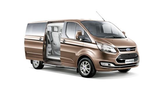 Ford Tourneo hoàn toàn mới ra mắt thị trường Việt Nam, đáp ứng nhu cầu vận chuyển 7 chỗ cao cấp ảnh 1