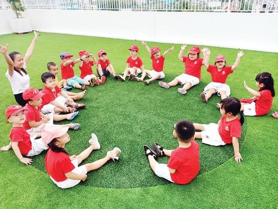 Khi trường có không gian xanh sẽ tạo nên 'thói quen xanh' tích cực cho trẻ… ảnh 3