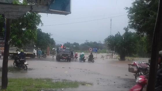 Mưa lớn, nhiều địa phương ở Đắk Lắk bị cô lập, phải di dời dân ảnh 2