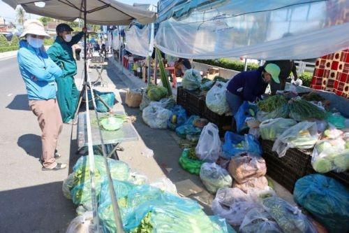 Tiệm hớt tóc, sửa xe, tạp hóa tại Khánh Hòa được hoạt động trở lại ảnh 2