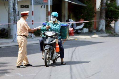 Tiệm hớt tóc, sửa xe, tạp hóa tại Khánh Hòa được hoạt động trở lại ảnh 1