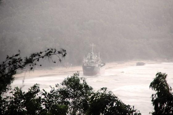 Đã cứu vớt được 80/99 thủy thủ gặp nạn trên biển Quy Nhơn, Bình Định ảnh 3