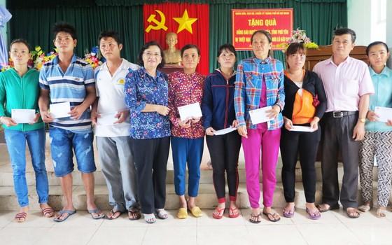 TPHCM hỗ trợ Phú Yên 3 tỷ đồng khắc phục hậu quả bão số 12 ảnh 1