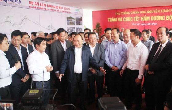 Thủ tướng Nguyễn Xuân Phúc thăm, tặng quà Tết cho người nghèo ở Phú Yên ảnh 4