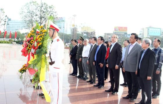 Đồng chí Nguyễn Thiện Nhân thăm, chúc Tết tỉnh Bình Định ảnh 1