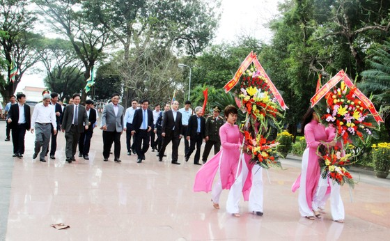 Đồng chí Nguyễn Thiện Nhân thăm, chúc Tết tỉnh Bình Định ảnh 2