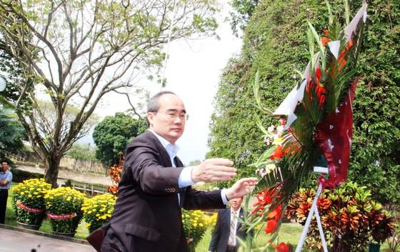 Đồng chí Nguyễn Thiện Nhân thăm, chúc Tết tỉnh Bình Định ảnh 3