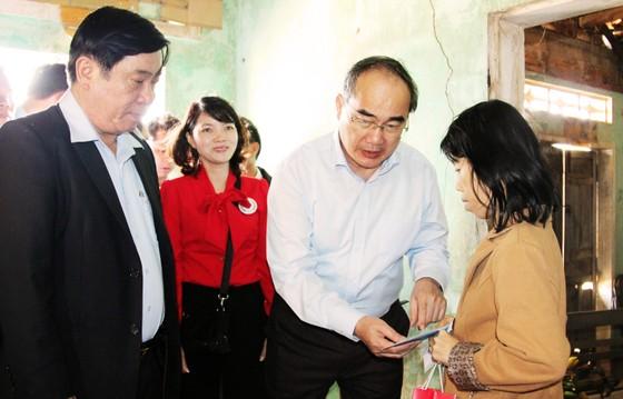 Đồng chí Nguyễn Thiện Nhân thăm, chúc Tết tỉnh Bình Định ảnh 6