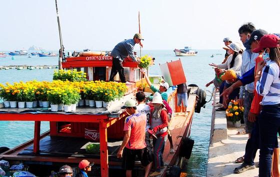 Tết theo những con tàu ra đảo Nhơn Châu ảnh 2
