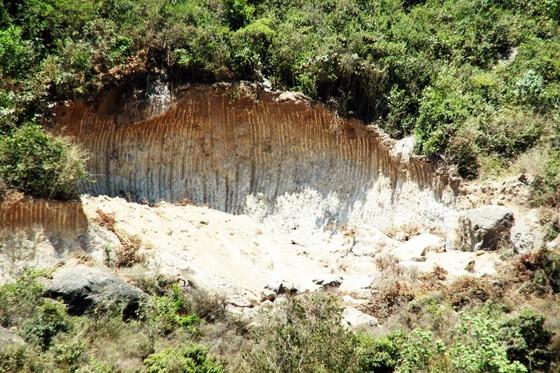 """Vụ """"đất tặc"""" lộng hành đào phá núi Mò O: Khẩn trương xử lý nghiêm, tránh xảy ra điểm 'nóng' ảnh 4"""