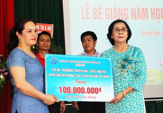 2,3 tỷ đồng ủng hộ Trung tâm Nuôi dạy trẻ khuyết tật Võ Hồng Sơn ảnh 13