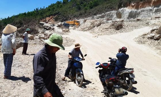 Vụ đất tặc lộng hành đào phá núi Mò O: Vì sao chưa đối thoại, công khai kết quả xử lý? ảnh 1