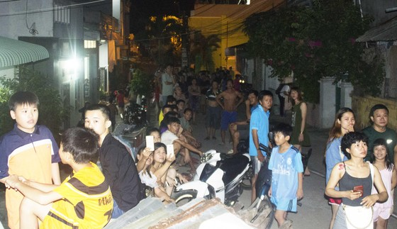 Núi giữa thành phố Quy Nhơn bùng lửa, uy hiếp hàng trăm hộ dân ảnh 4