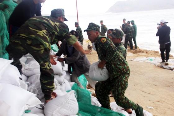 Tâm bão số 6 dự báo đổ bộ vào Bình Định, Phú Yên ảnh 7