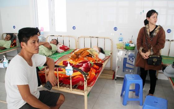 Ba người nhập viện sau tai nạn giao thông nghiêm trọng ở Phú Yên ảnh 1