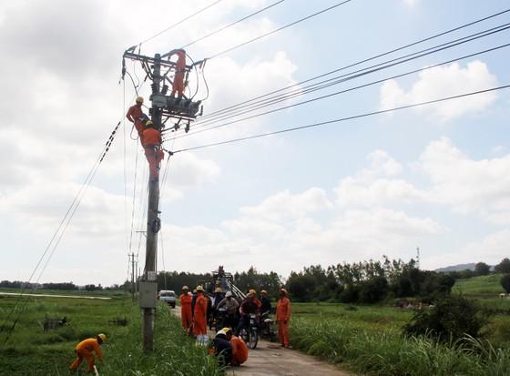 Một công nhân lắp đặt điện bị điện giật tử vong  ảnh 1