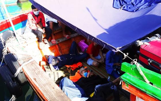 'Chở tết' ra đảo Cù Lao Xanh ảnh 7